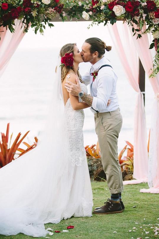Novomanželé si pro svůj velký den vybrali Havaj.