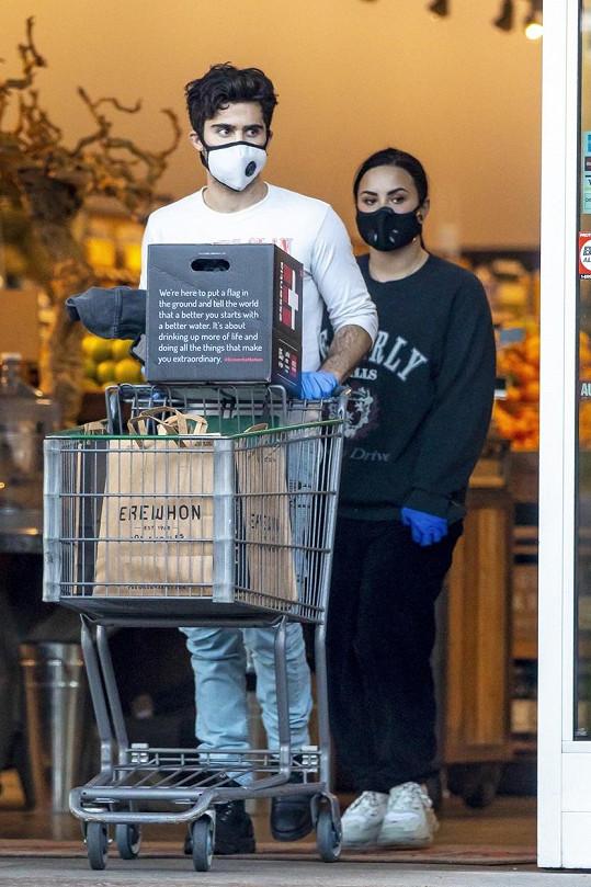 Demi Lovato tráví s Maxem Ehrichem karanténu.