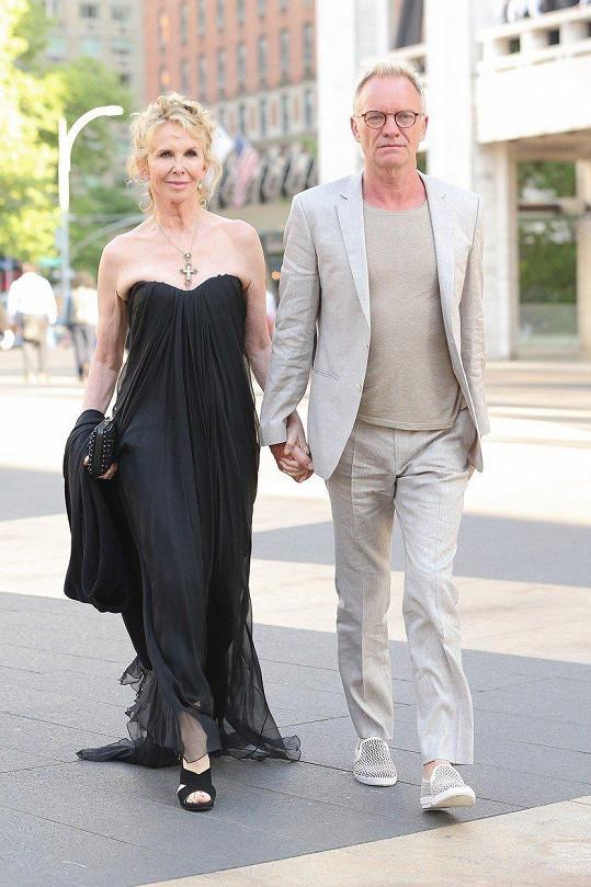 """Englishman in New York"" Sting, vlastním jménem Gordon Matthew Thomas Sumner, s manželkou Trudie na gala akci ve velkém jablku"