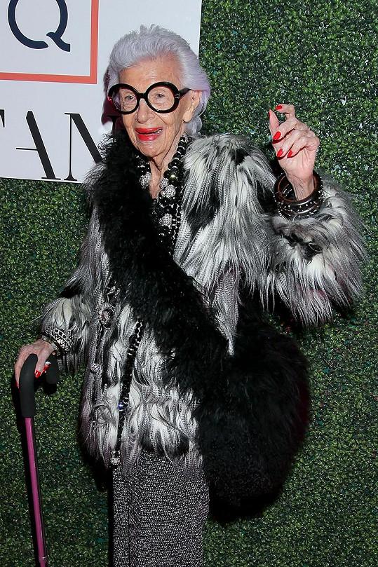 Její elán je obdivuhodný. V 97 letech podepsala smlouvu s modelingovou agenturou.