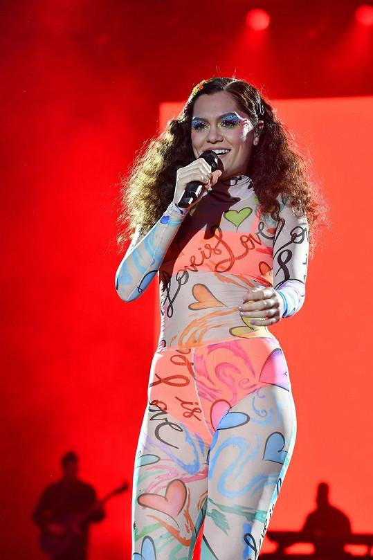 Jessie J během vystoupení