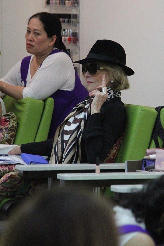 Jane Fonda vyřešila fotografa po svém.