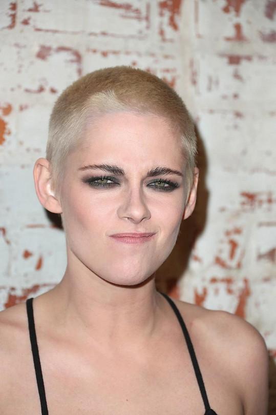 Kristen Stewart šokovala novou vizáží.