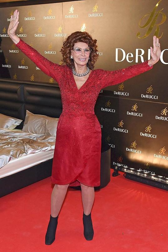 Třicet let stále stejně atraktivní herečka zavítala do Německa.