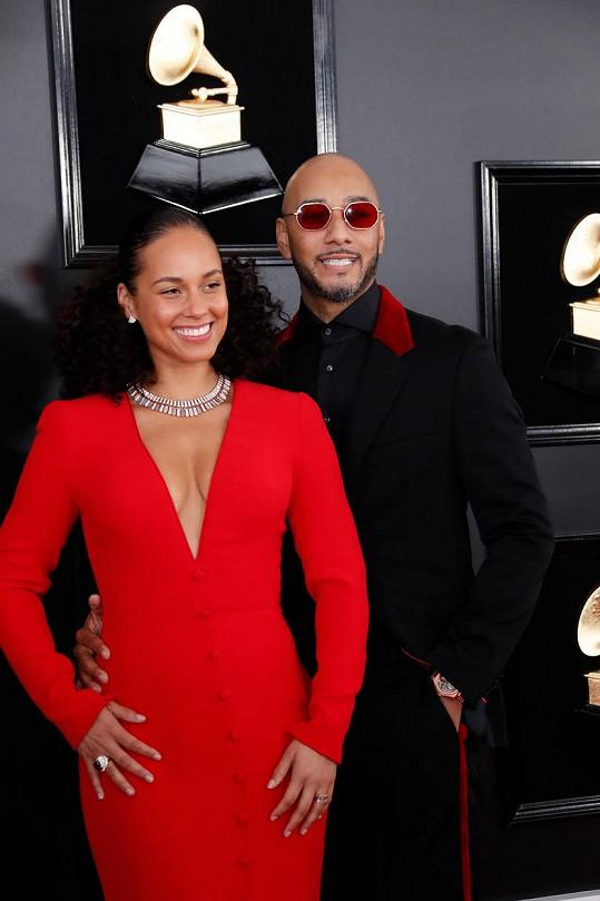 S manželem Swizz Beatzem na předávání cen Grammy v roce 2019