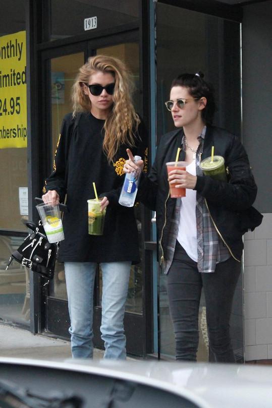 Kristen Stewart a Stella Maxwell