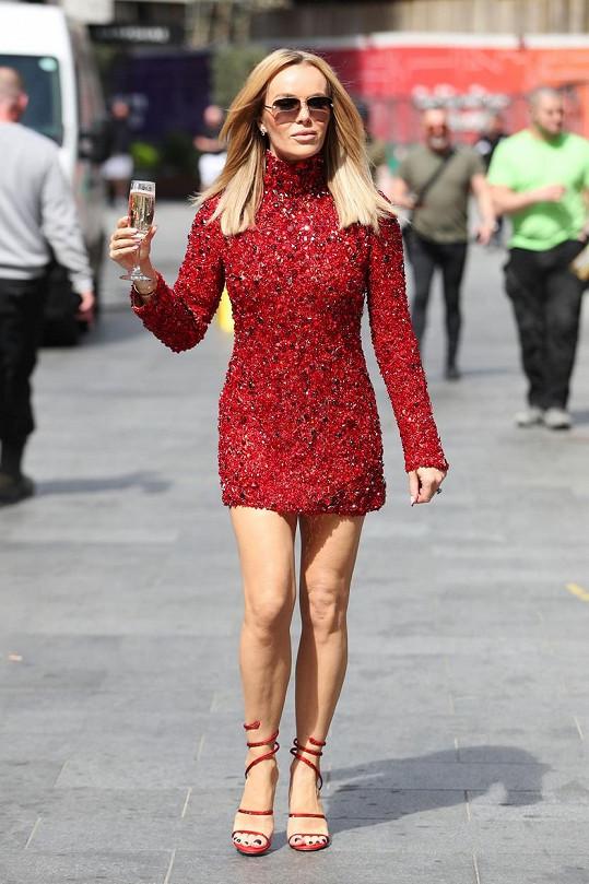 Moderátorka vypadá v padesáti skvěle.