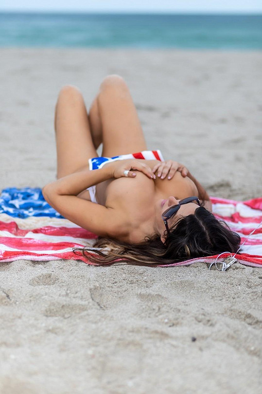 Claudia Romani slavila Den nezávislosti po svém.