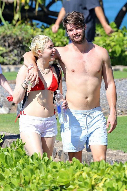 Patrick s Miley v lednu na Havaji