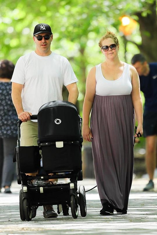Manželé mají doma dvouletého syna Gena.