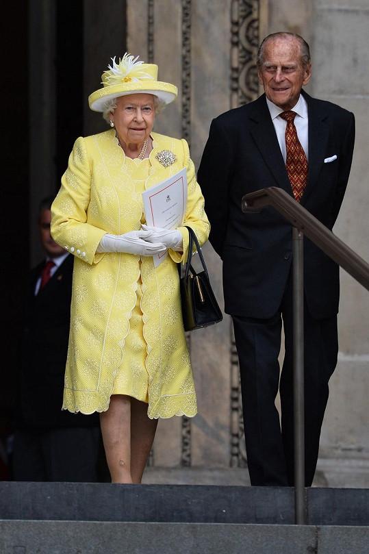 Oslavenci královna Alžběta II. a princ Philip