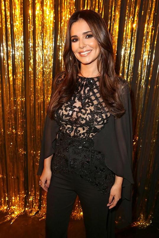 Cheryl v Paříži na večírku kosmetického gigantu