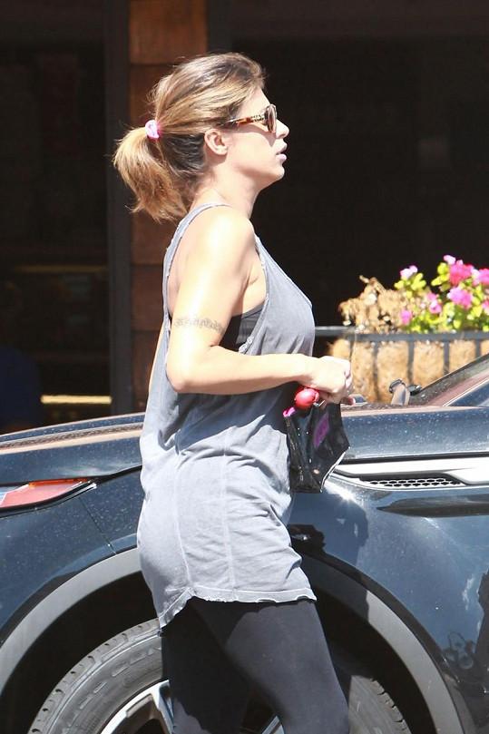 Italská modelka se stala maminou dcery Skyler.