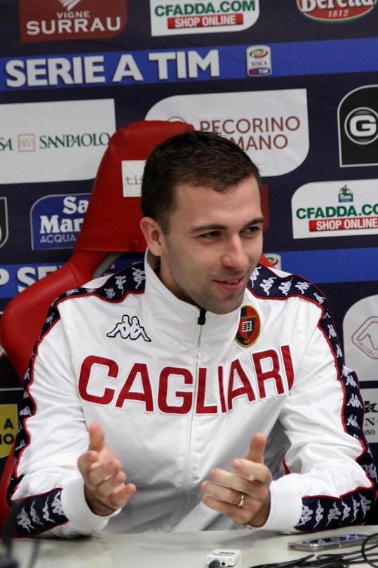 Za Cagliari hrál i Josef Hušbauer. Tým však sestoupil.
