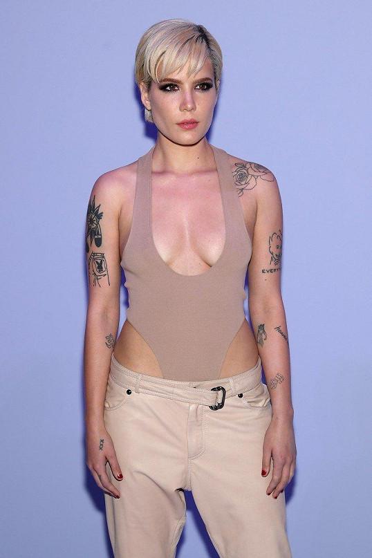 Sexy nahá mladá