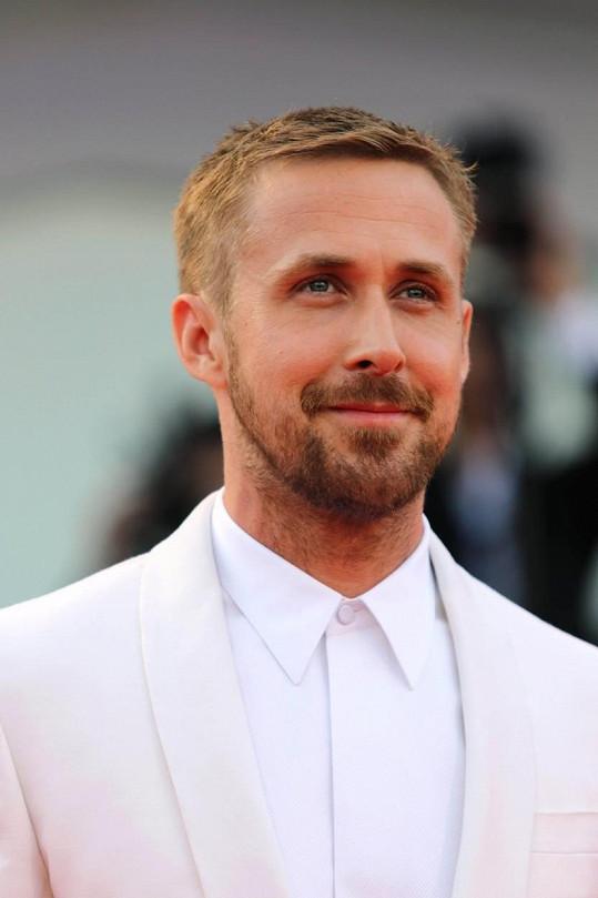 Desítku nejkrásnějších mužů planety uzavírá Ryan Gosling s 87,48 %.