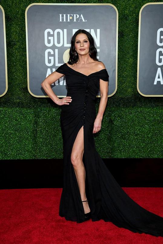 Catherine Zeta-Jones v černém od značky Dolce & Gabbana