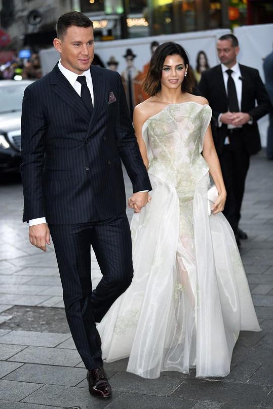 Její tehdejší manžel Channing Tatum s nimi nebyl.