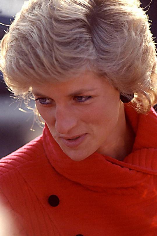 Lady Diana nosila nadýchaný účes podle trendu 80. let.