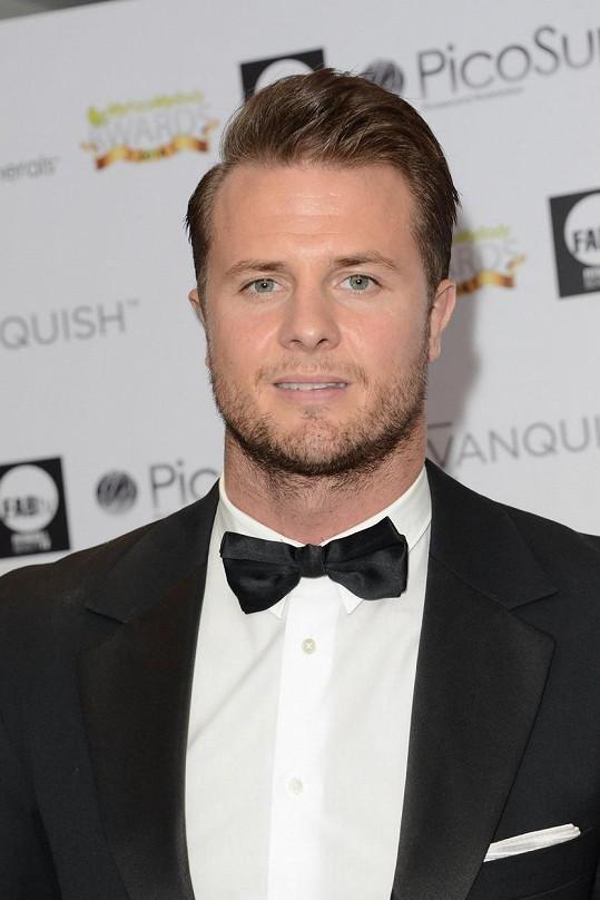 Bobby Holland Hanton je dublérem Chrise Hemswortha a dalších hvězd.