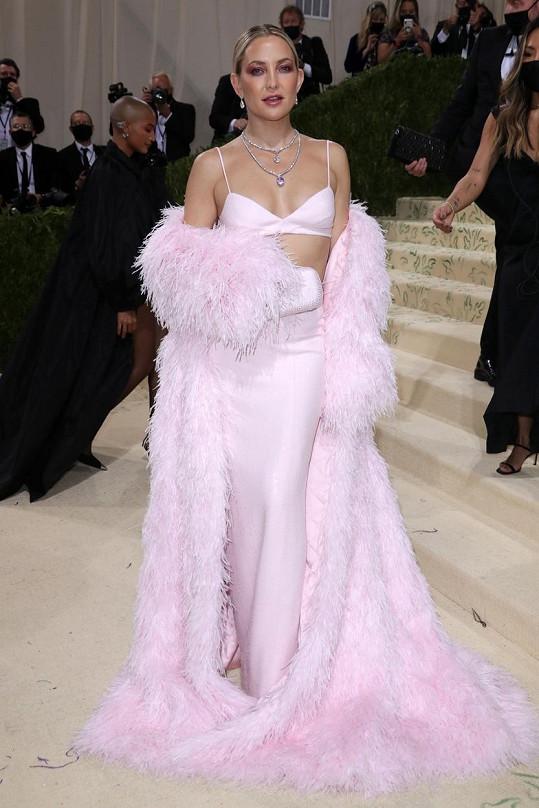 V modelu Michaela Korse dorazila herečka Kate Hudson.