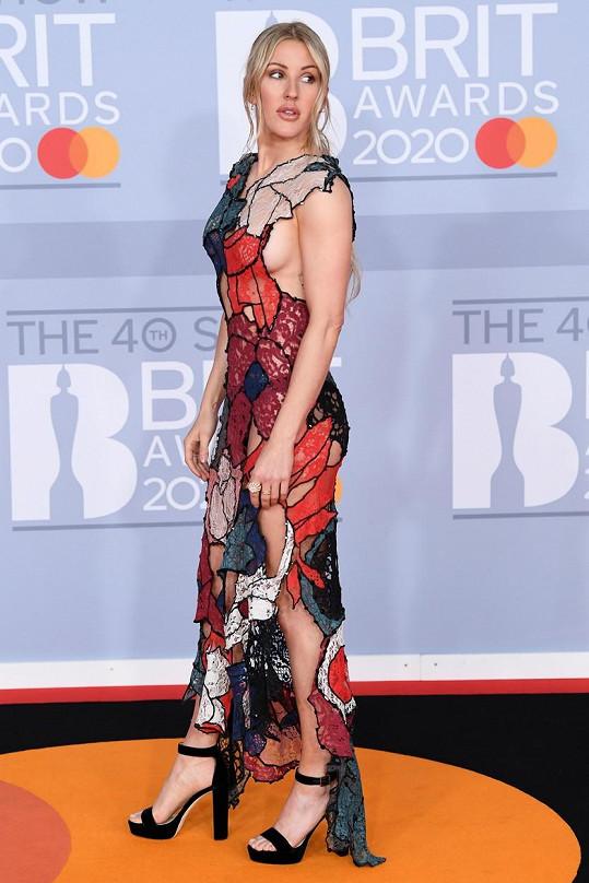 Rafinovaný střih zvolila Ellie Goulding.