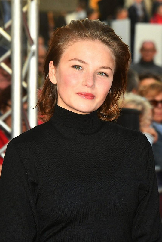 Netflix pro roli vybral německou herečku Devrim Lingnau.