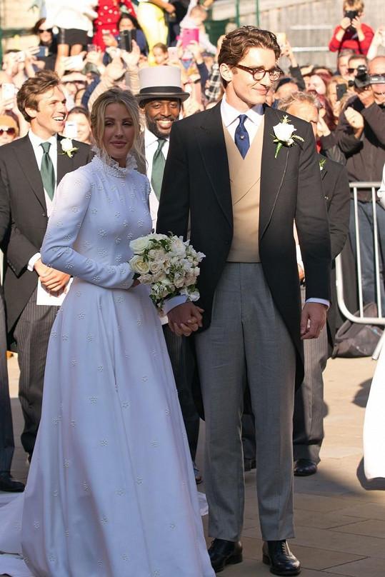 Na konci léta se provdala za Caspara Joplinga.