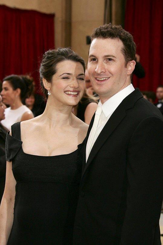 Rachel Weisz má syna s režisérem Darrenem Aronofskym.