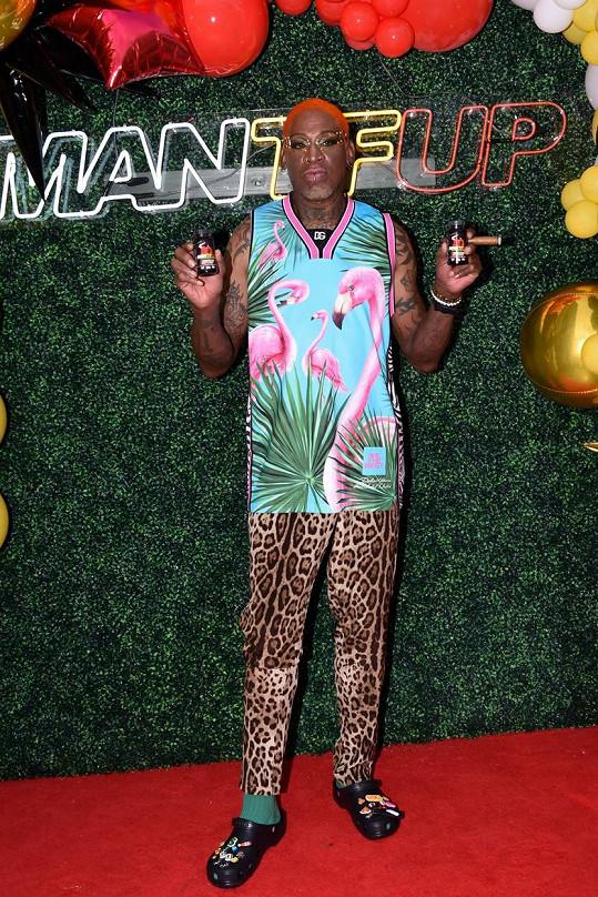 Dennise Rodmana člověk nepřehlédne.