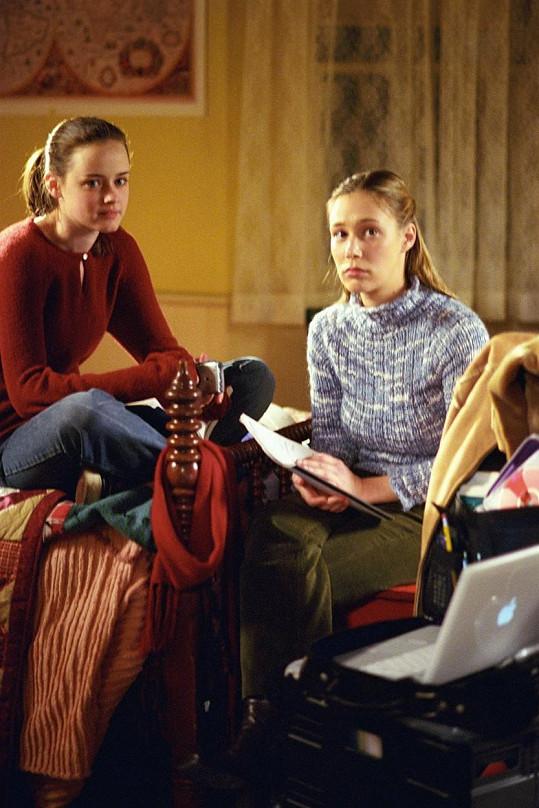 Spřízněnou duší seriálové Rory se postupem času stala Paris v podání Lizy Weil (vpravo).