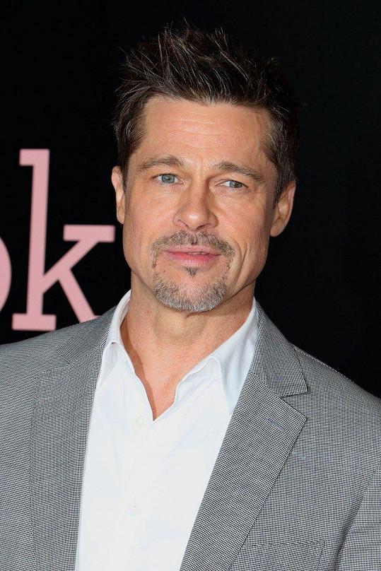 Brad Pitt na tuto poctu kašle.