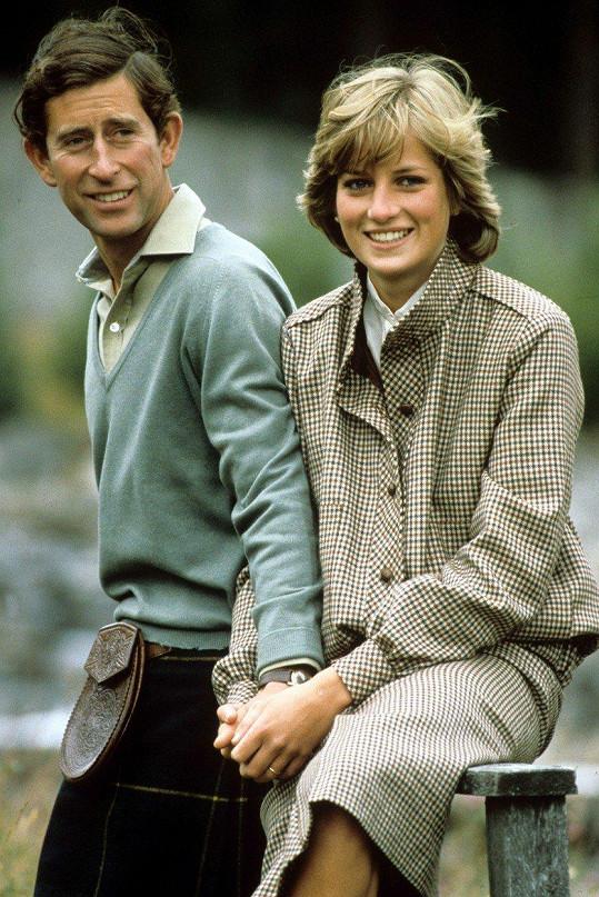 Herečka je mladé Dianě podobná svým upřímným pohledem. Na snímku s tehdejším manželem princem Charlesem