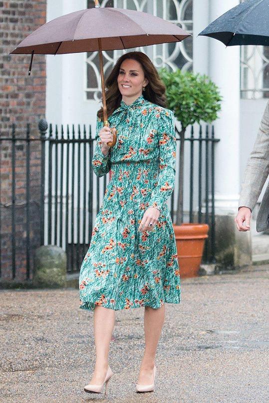 Takhle se oblékla v den 20. výročí úmrtí princezny Diany.