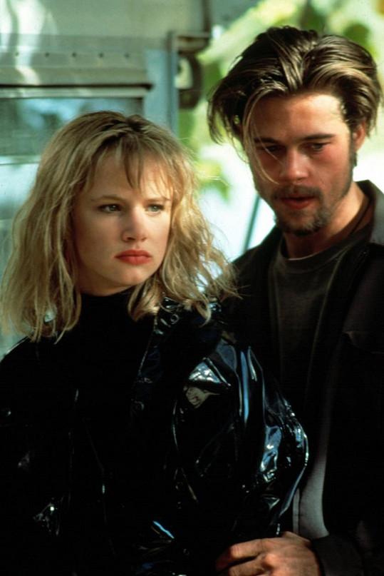 Herečka s Bradem Pittem z natáčení snímku Smrt přišla brzy v roce 1990.