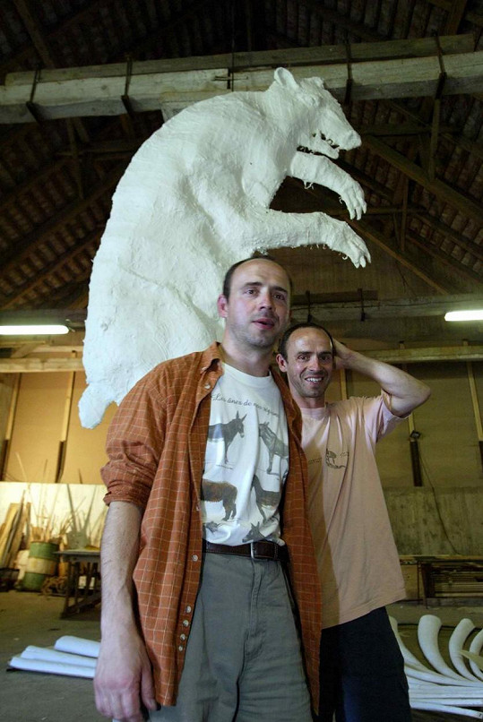 Petr a Matěj Formanovi hráli v několika filmech.