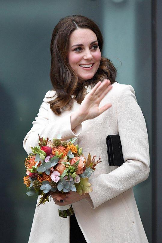 Kate je v polovině třetího těhotenství.