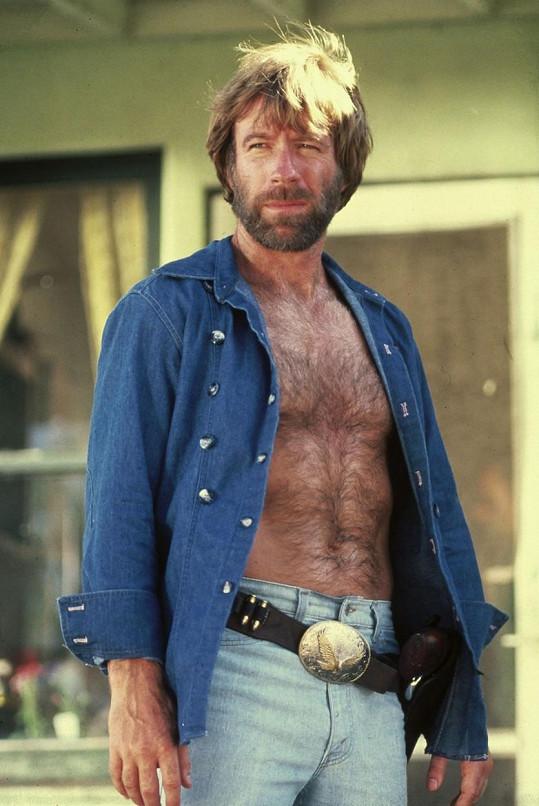 Chuck ve filmu Osamělý vlk McQuade (1983)