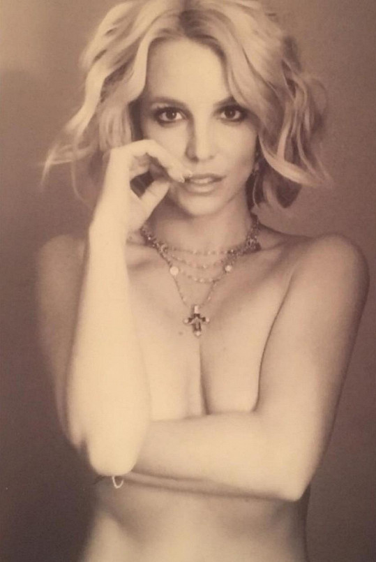 Britney Spears zveřejnila obnaženou fotku.