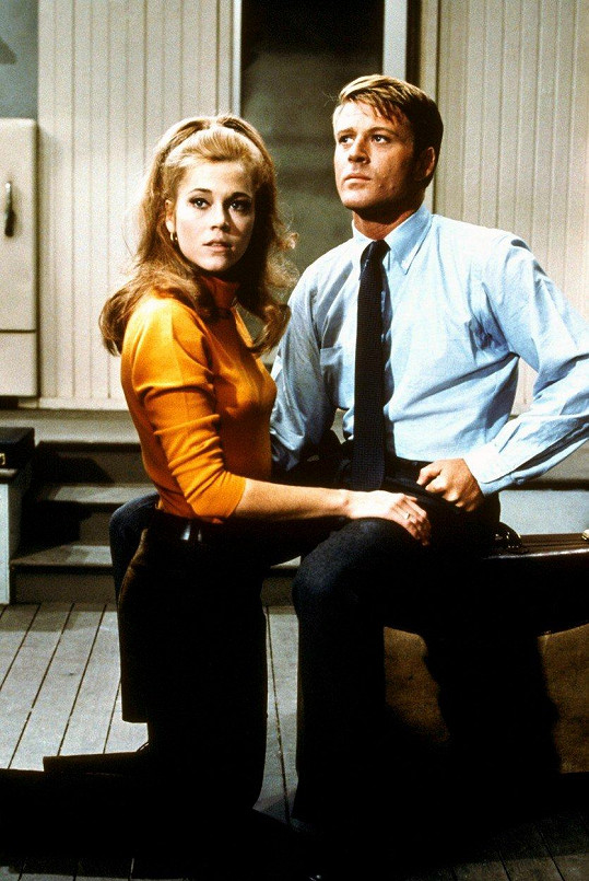 Jane Fonda a Robert Redford ve filmu Bosé nohy v parku (1967)