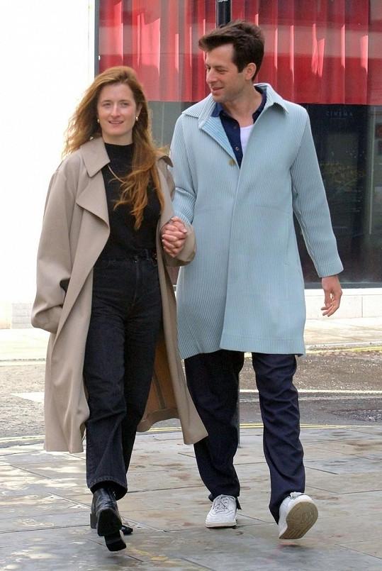 Mark Ronson a Grace Gummer se zasnoubili.