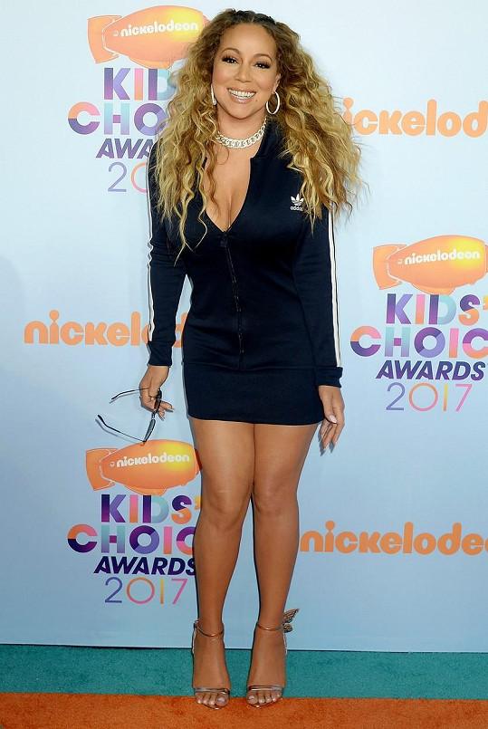 Mariah zvolila na udílení Kid´s Choice Awards rozverný účes.