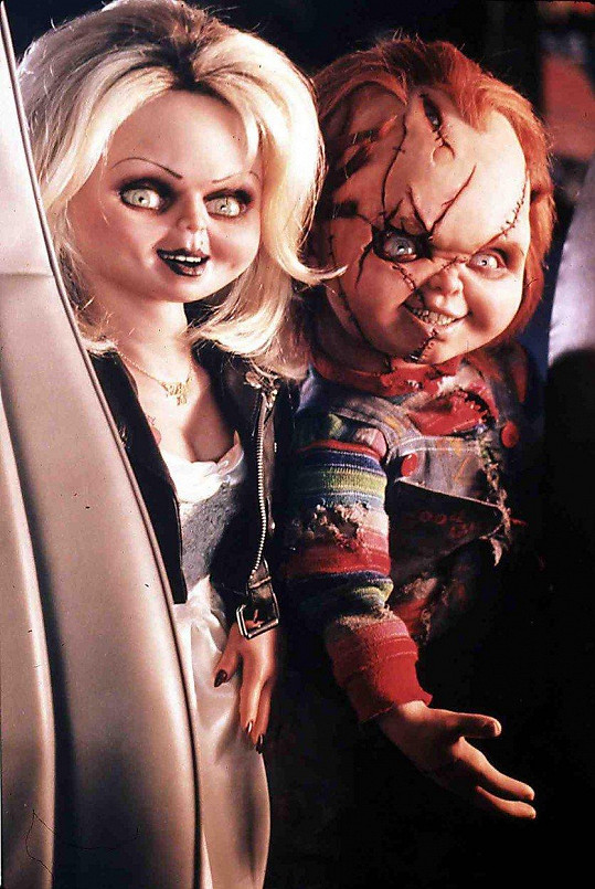 Od originálu k nerozeznání. Vraždící panenky ve filmu Chuckyho nevěsta z roku 1998.