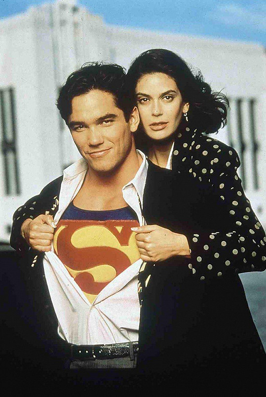 Teri Hatcher a Dean Cain jako Lois a Clark v Supermanovi