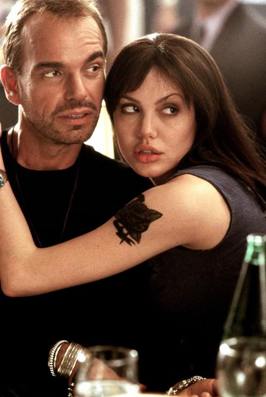 S Angelinou Jolie byl ženatý v letech 2000 až 2003.