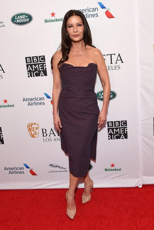 Catherine Zeta-Jones nemá vysněnou figuru zadarmo.