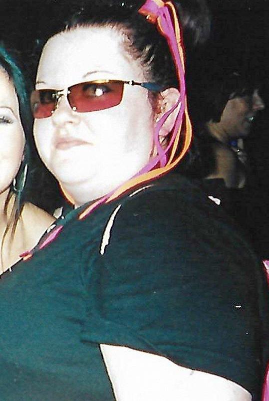 Gemma Glover (36) z Hampshire ve Velké Británii v roce 2006. Tehdy vážila neuvěřitelných 140 kilo.