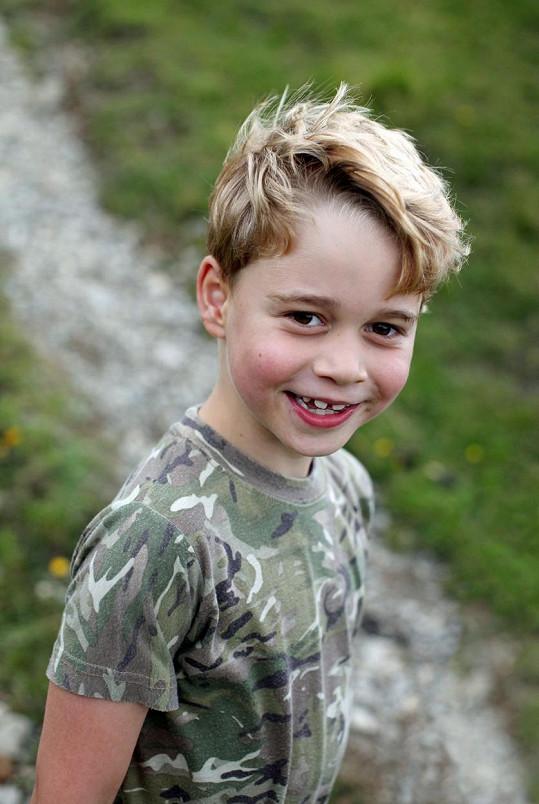 Princ George dnes slaví 7. narozeniny.