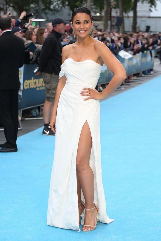 Emmanuelle Chriqui na premiéře filmu Vincentův svět v Londýně