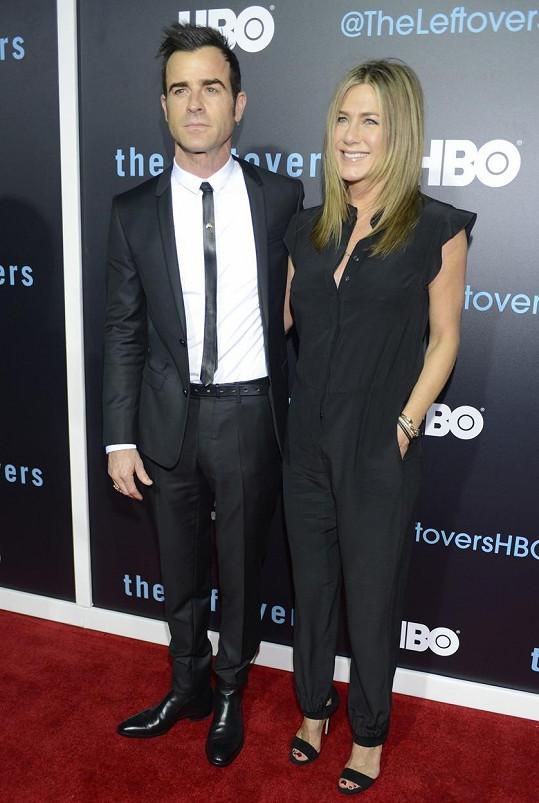 Justin Theroux a Jennifer Aniston už tvoří manželský pár.